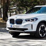 Vagy nagyon ügyes a garázsdizájn, vagy tényleg itt a BMW iX3