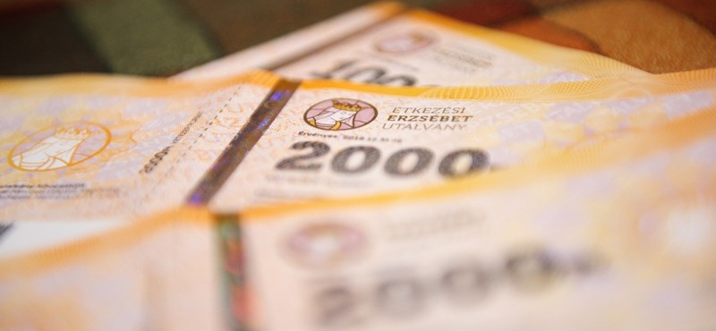 Közel 30 milliárd forintba kerül a nyugdíjasok ajándék Erzsébet-utalványa