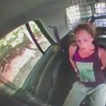 Ha nem látjuk, nem hisszük el: kiszabadult a bilincsből a nő, majd ellopta a rendőrautót – videó