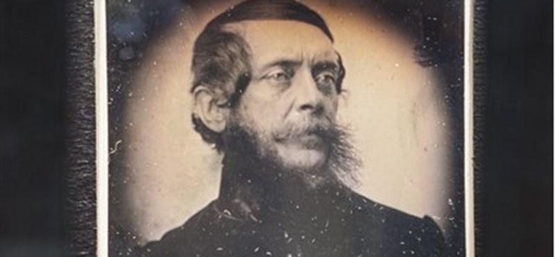 Eddig sosem látott arcképet mutattak be Kossuth Lajosról – fotó
