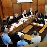 Romagyilkosságok: a jegyzőkönyvet is javítania kellett a bíróságnak