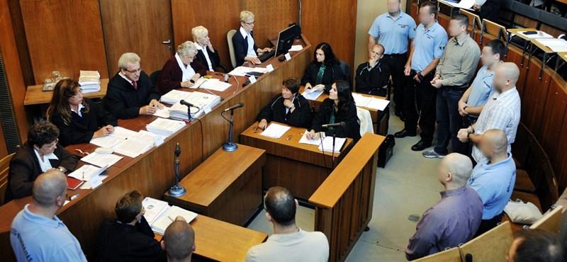 Romagyilkosságok: csak emlékfoszlányok kerültek elő a mai tárgyaláson