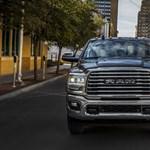 Trend ellen mennek: nőtt az amerikai autók átlagos fogyasztása