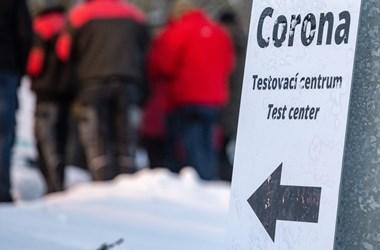 Szlovákia után Csehországot is padlóra küldte a harmadik járványhullám