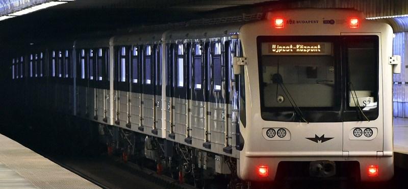 Úgy tűnik, máris rozsdásodnak a nemrég érkezett orosz metrókocsik