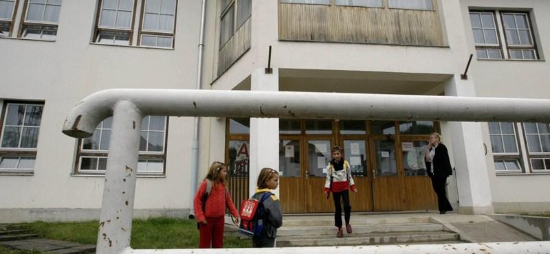 18 iskola is bezárhat a romák szegregációja miatt