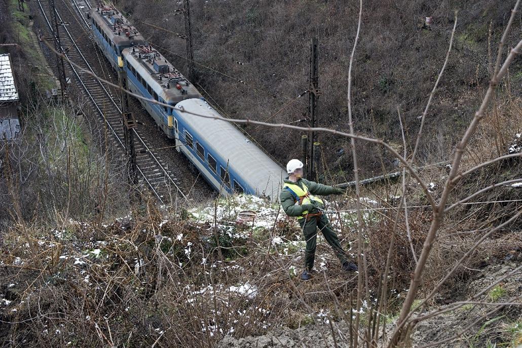 mti.15.01.26. - Bp: Mmgcsúszott a támfal is a Déli pályaudvari vasúti alagútnál - földcsuszamlás, Déli Pályaudvar