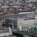 Fáklyás felvonulást szerveznek a Budapesti Corvinus Egyetem elé