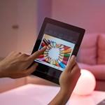 Tévézéskor és házibuliban is jól jön majd: látványos újítást kapnak a Philips okoslámpái