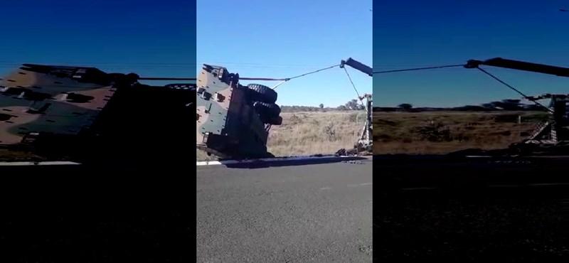 Majdnem jól kitalálták ennek a katonai járműnek a talpra állítását – videó