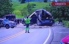 Negyvenen meghaltak egy buszbalesetben Brazíliában