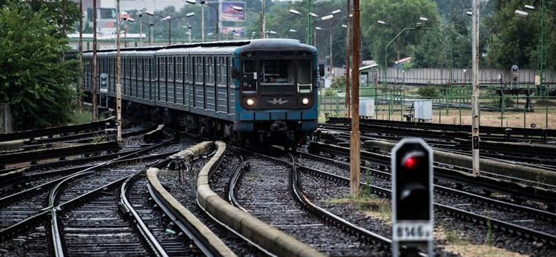 Index: Seszták megfúrta a metrópótlóbusz-tendert?