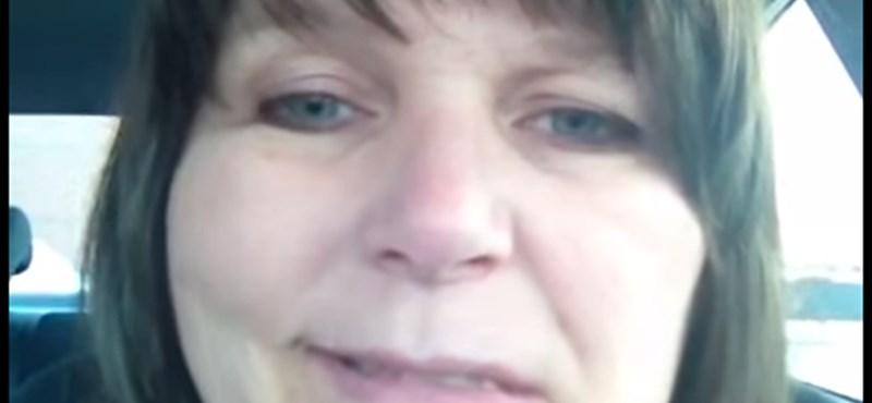Videó: Lefilmezte egy nő, ahogy stroke-ot kap az autóban