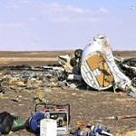 Még a levegőben volt az orosz repülő, amikor darabjaira hullott