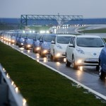Guinness-rekord elektromos Nissanokkal - fotó