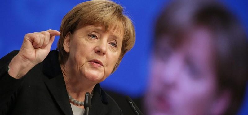 Merkel a befogadásra és kölcsönös tiszteletre kérte a németeket újévi beszédében