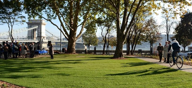 Ilyen lett az új Lánchíd park - fotók