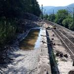 Még két hétig takarítják a sárlavina nyomait Nagymarosnál – fotók
