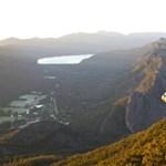 Látványos fotóért mászott ki a sziklára, de a mélybe zuhant egy ausztrál nő