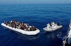 Elsüllyedt egy menekülteket szállító csónak, 120 ember tűnt el