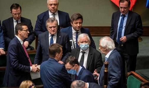 """A """"nercbundatörvény"""" miatt tört ki kormányválság Varsóban"""