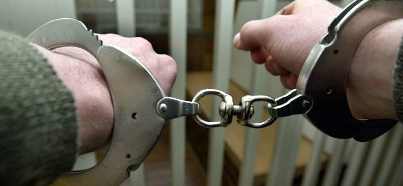 Majdnem négy év börtön kapott a férfi, aki 94 idős embert fosztott ki