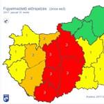 Tovább durvul az időjárás: itt a piros figyelmeztetés