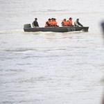 Készülnek az újabb kemény napra a hajótragédia áldozatait kereső mentőcsapatok – videó