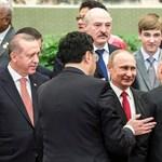 Putyinnal telefonált Orbán