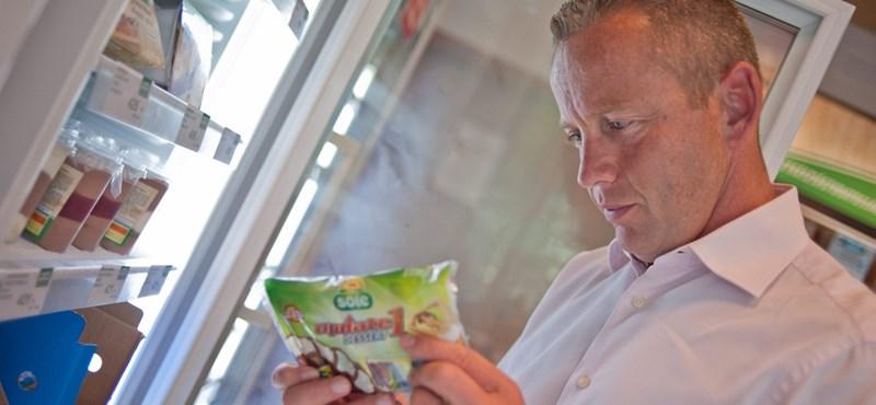 Tiltott piacbefolyásolás miatt meszelte el Schobert Norbi cégét az MNB