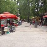 Római: a mobilgátpárti egyesület most a büféknek ment neki