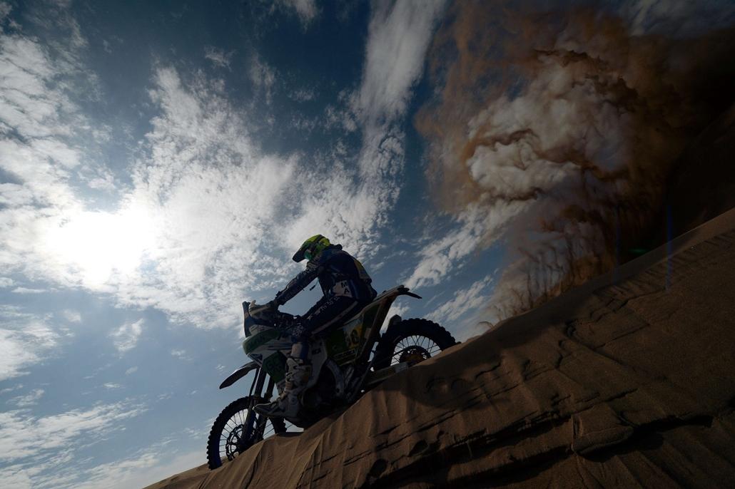 Nagyításgaléria - Miguel Puertas Herrera spanyol motoros a Dakar-ralin.