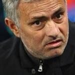 Inzultálta a játékvezetőt, eltiltást kapott Mourinho