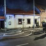 Hatalmas lángokkal égett egy étterem Óbudán