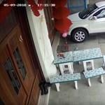 Egy sima esős napnak ígérkezett a szerdai, aztán jött az SUV – videó