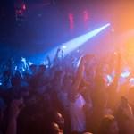 Drogügyek miatt bezár a legfontosabb elektronikus tánczenei klub
