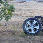 Fotó: kirepült a VW hátsó tengelye, összetört egy Suzukit