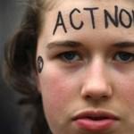 Több száz klímaaktivista betört több szénbánya területére Kelet-Németországban