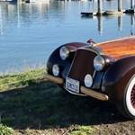Ez elég egyedi: Egy 250 éves fa és egy Nissan keveréke ez az autó