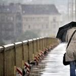 A rekordokat döntő vihar megbénította az országot (képek)