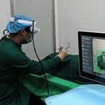 Kiterjesztett orvoslás: okosszemüvegben operáló sebészek