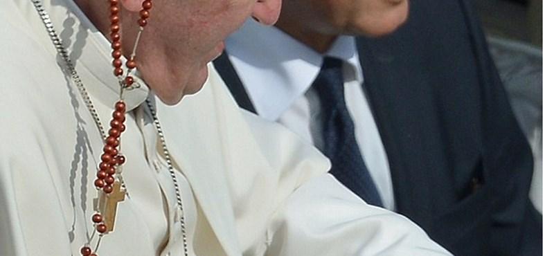 Ilyen vicces képek még nem jelentek meg Ferenc pápáról