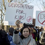 Miért lesz rossz a gyerekeknek, hogy Betsy DeVos lesz az oktatási miniszter az USA-ban?
