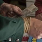 9000 forintos rezsiutalványt kapnak a nyugdíjasok
