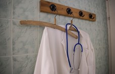 Államosíthatja a háziorvosi ellátást Pintér Sándor