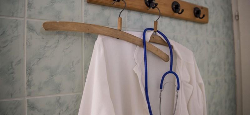 70 ezer ember bukhatja a tajszámát, vele az ingyenes egészségügyi ellátást