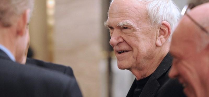 Kundera 40 év után visszakapta cseh állampolgárságát