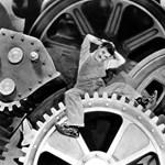 Chaplin és Schwarzenegger kéz a kézben hódítja meg a magyar mozikat