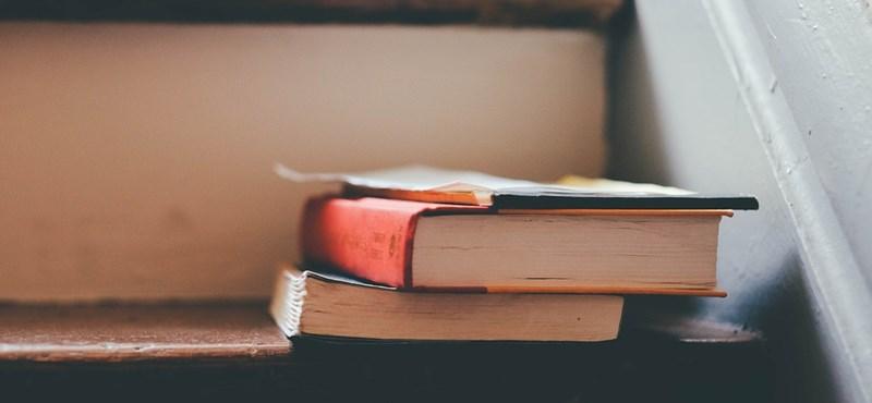 5 különleges versrészlet: felismeritek a szerzőket?