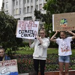Budapesten is tüntetnek a fiatalok: elkezdődött a nemzetközi klímasztrájk